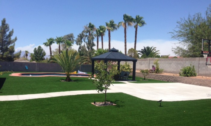 Synthetic Grass for Landscape Lawns Seattle, Washington